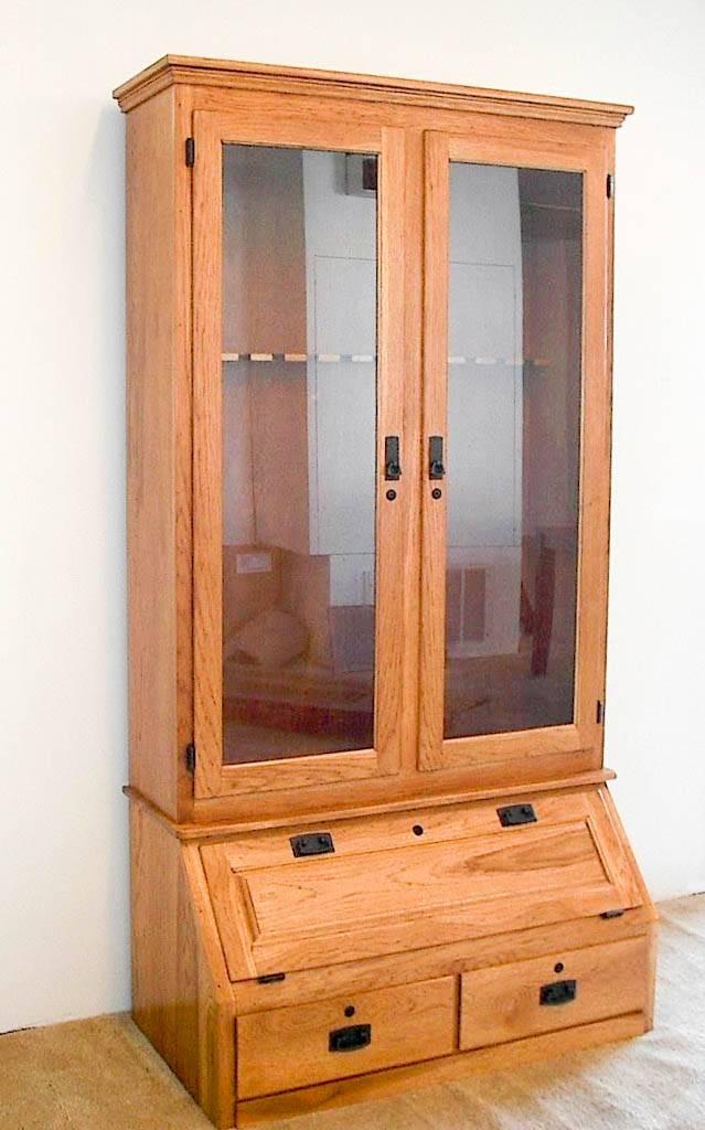 Hickory 12-Gun Cabinet - De Vries Woodcrafters
